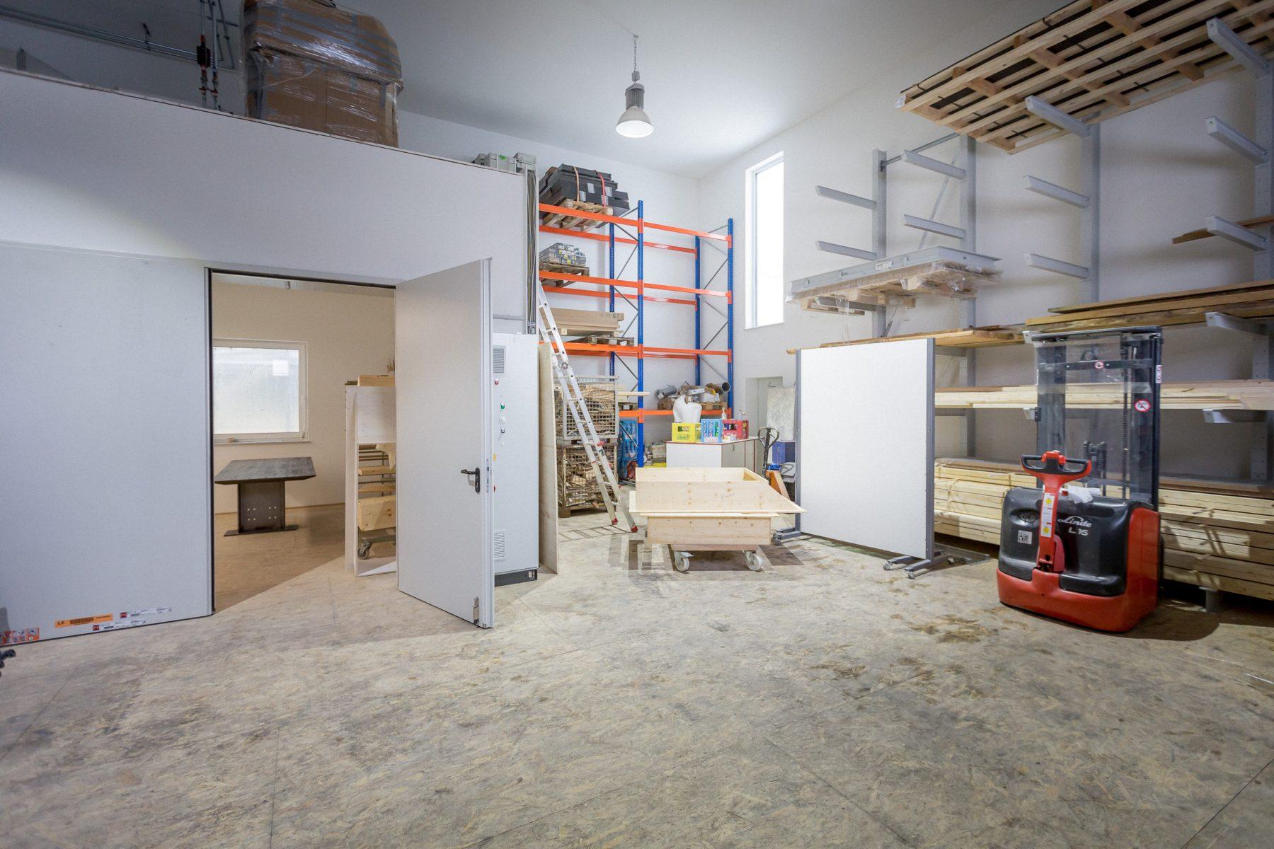 10690 Baufortschritt Werkstatt und Laden 170126 MG